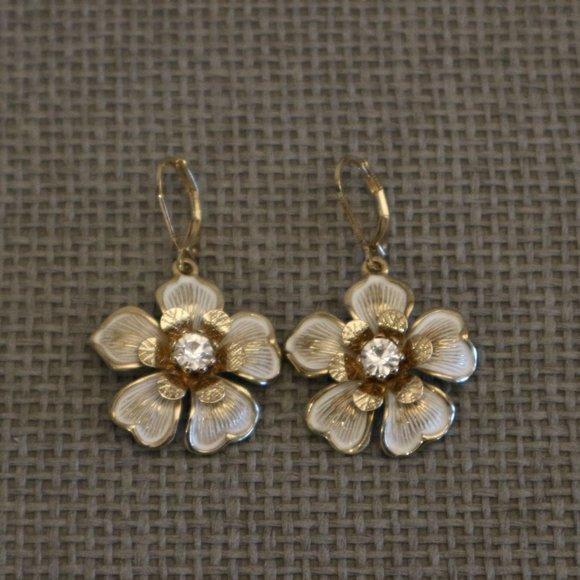 SALE! 🔥 White Golden Flower Dangle Earrings